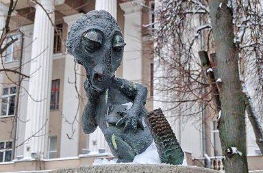 тула-памятник-хвосту-осн