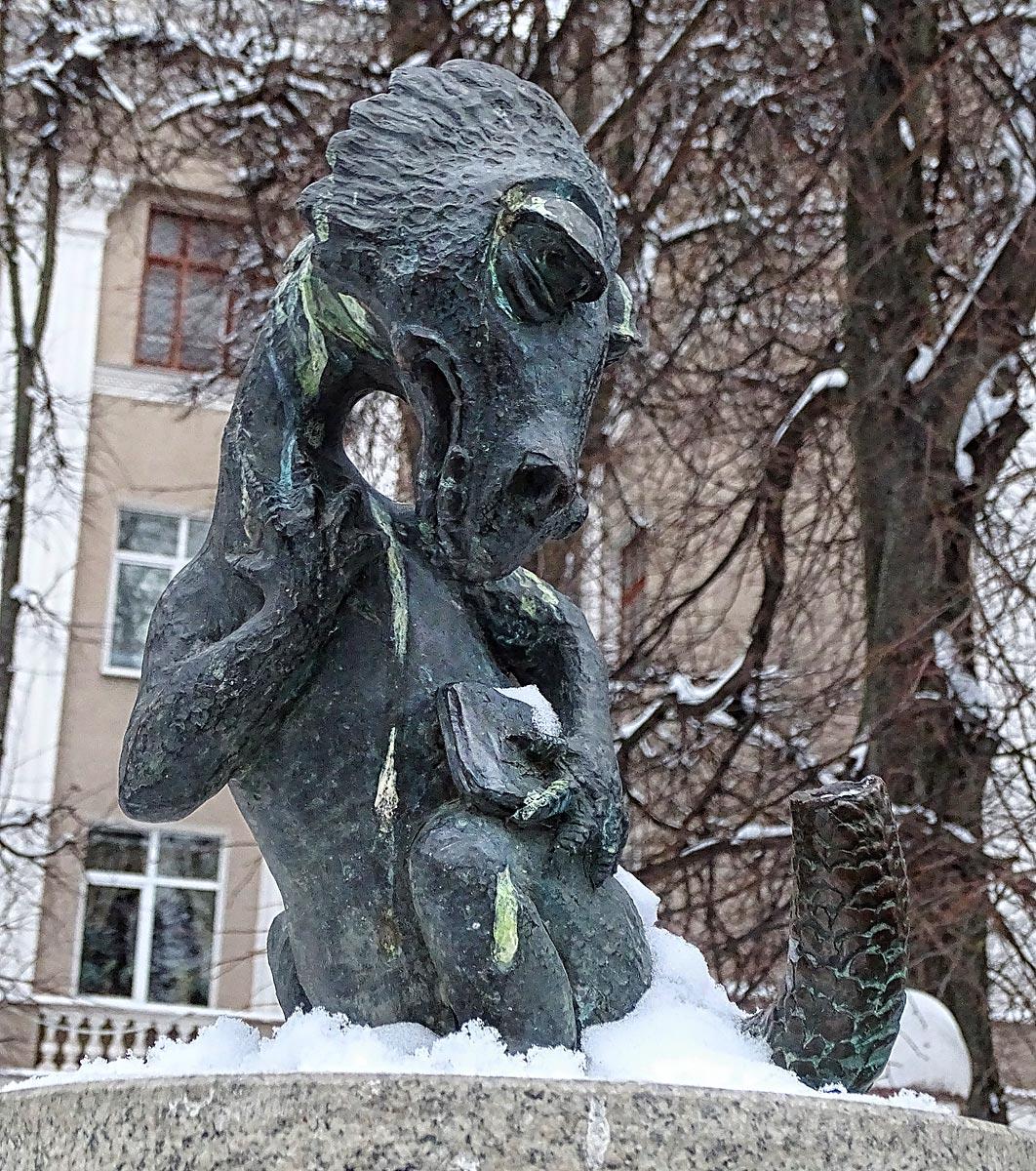 тула-памятник-хвосту1