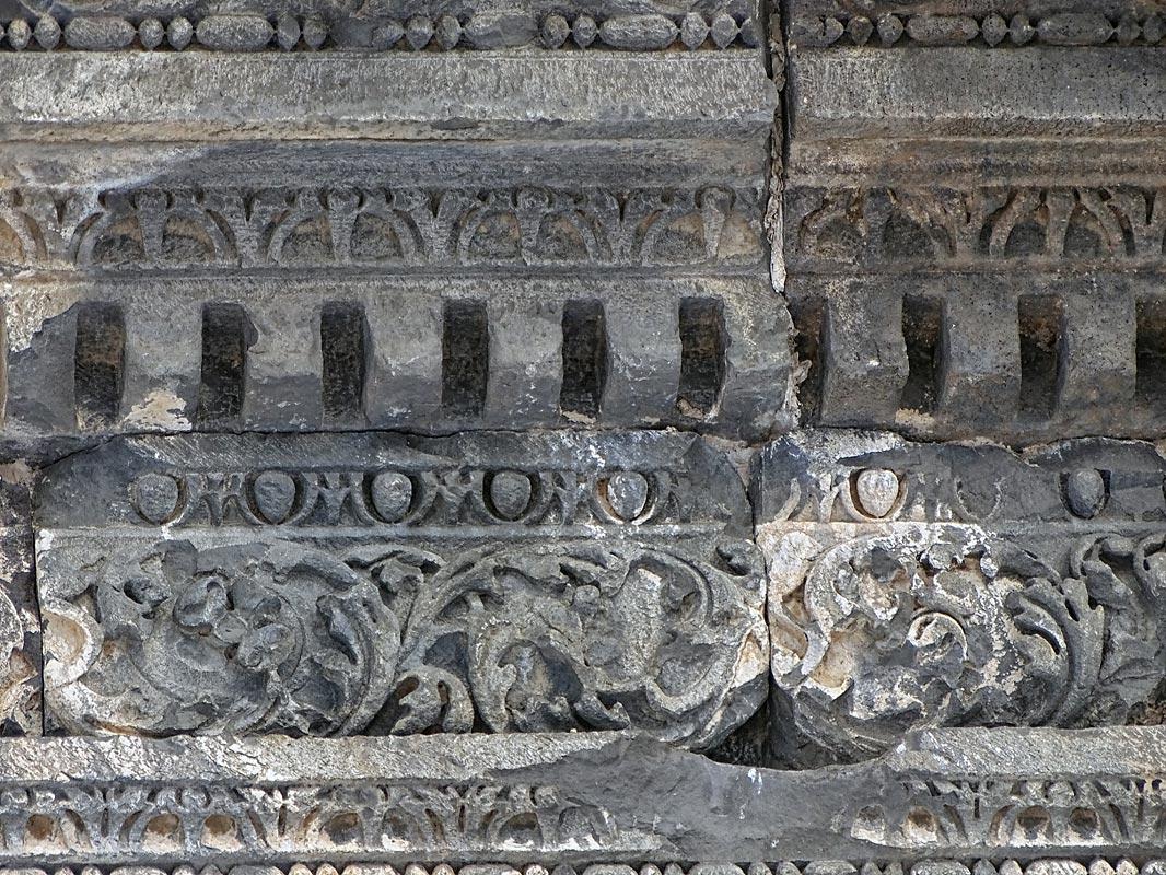 Гарни. Фрагмент фриза храма