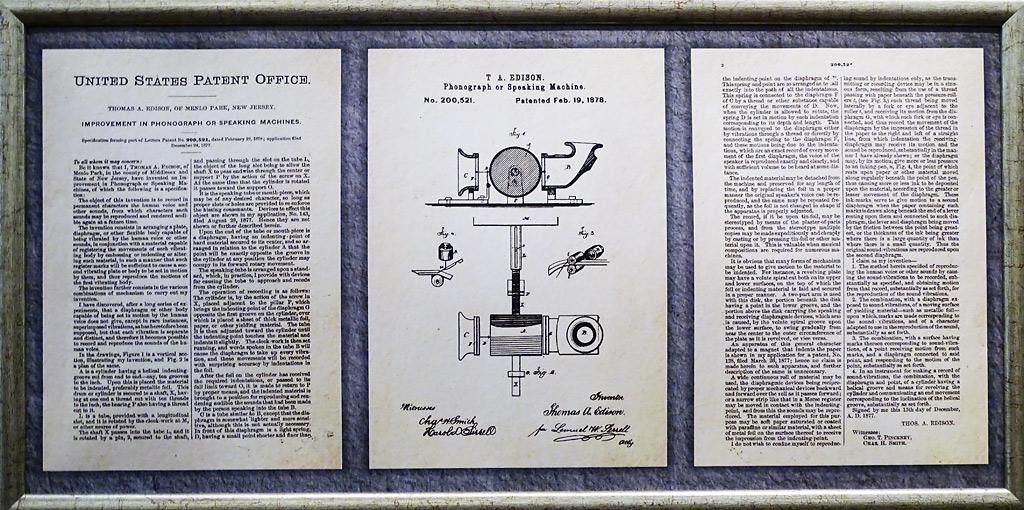 Инструкция-описаниеPhonograph of Speaking Machine. Патент от 19 февраля 1878 года, оформленный на Томаса Эдисона (Thomas Alva Edison)