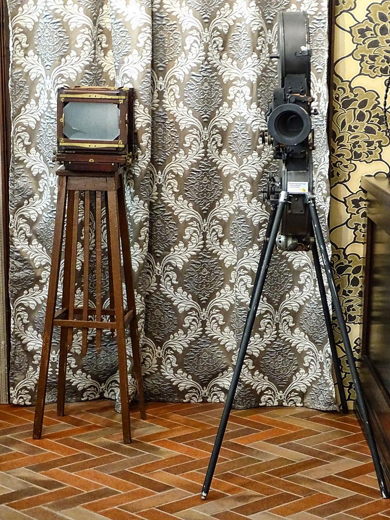 Прототип телевизора начала 20 века и кинопроектор «Домашний кинотеатр», Голливуд, США, 1920-е годы